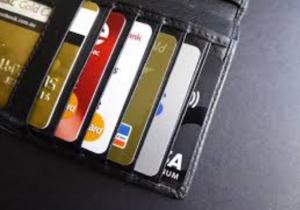 Kurangi penggunaan kartu kredit